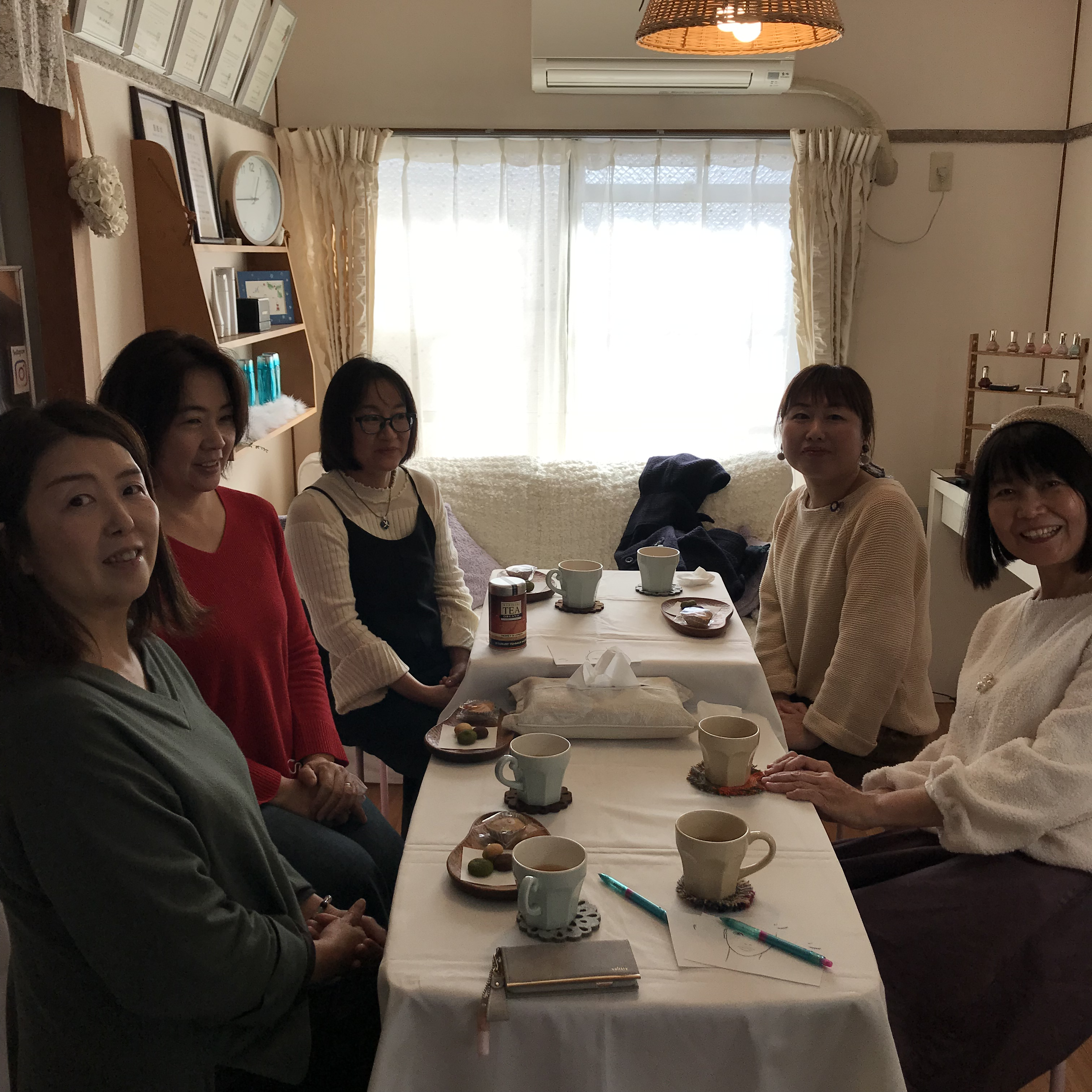 キャトルフィーユ初❗️カラーセラピーとメイクレッスン会コラボイベント